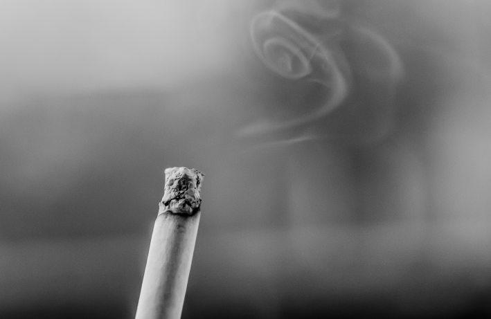 black-and-white-cigarette-fag-9024